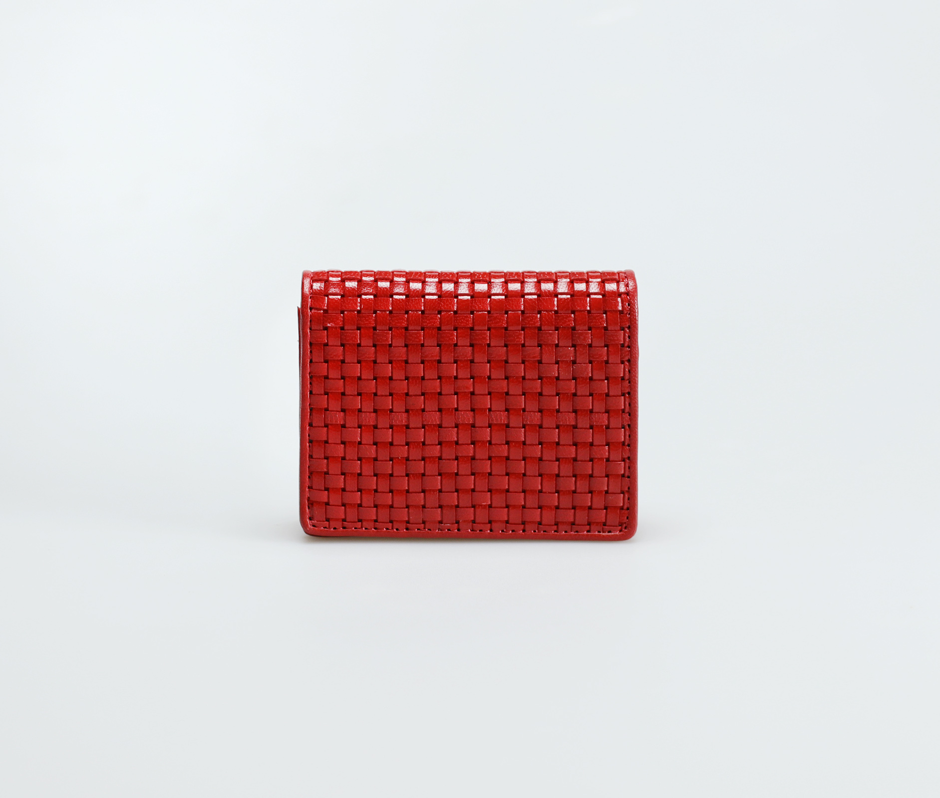 Magnetic-closure-purse