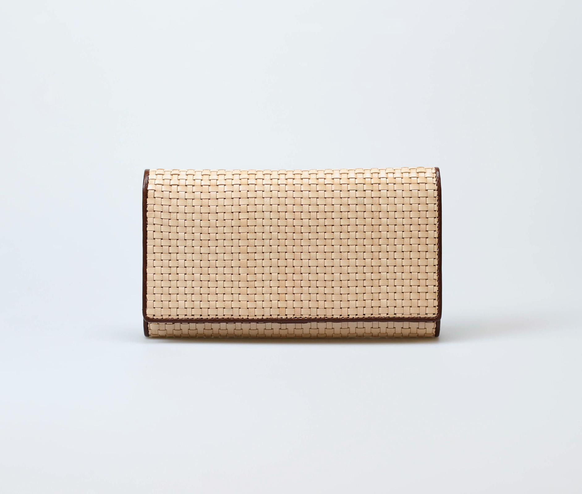 cream-women-classic-weave-long-trifold-wallet-orimono-tresse-1